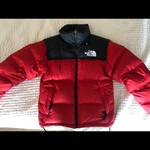 Men's North face nuptse red size small